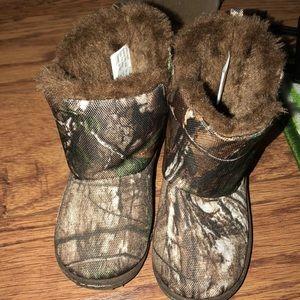 Realtree camo fur boots